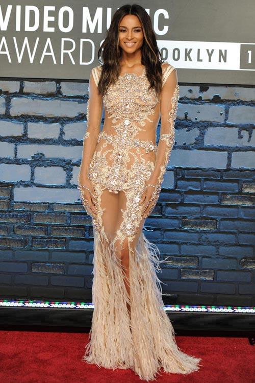 những bộ váy đầm đẹp nhất thế giới 23