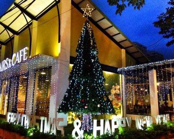 Danang Souvenirs Café - Địa điểm đi chơi Noel tại Đà Nẵng 2017
