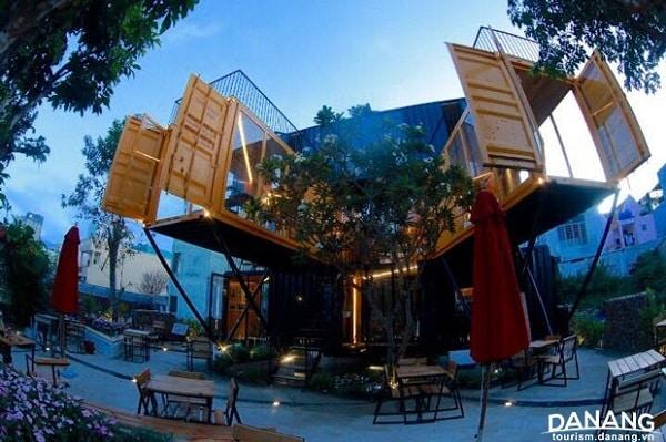 85 Design Cafe - Địa điểm đi chơi Noel tại Đà Nẵng 2017