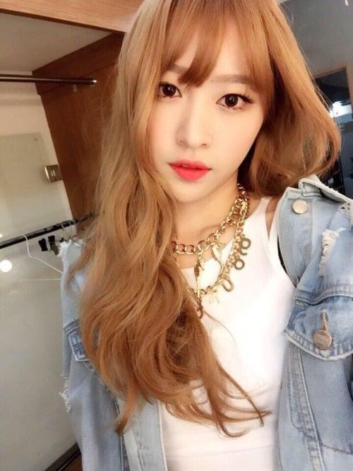 99+ Kiểu Tóc Nhuộm Màu Vàng Đẹp & Sành Điệu Như Idol Kpop
