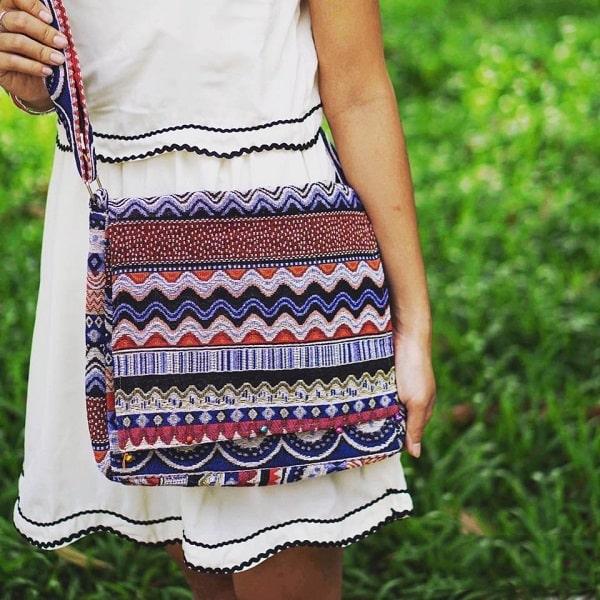 hình ảnh 100+ mẫu túi tote đeo chéo vải bố, da đẹp nhất & cách mix đồ cực xinh - số 9