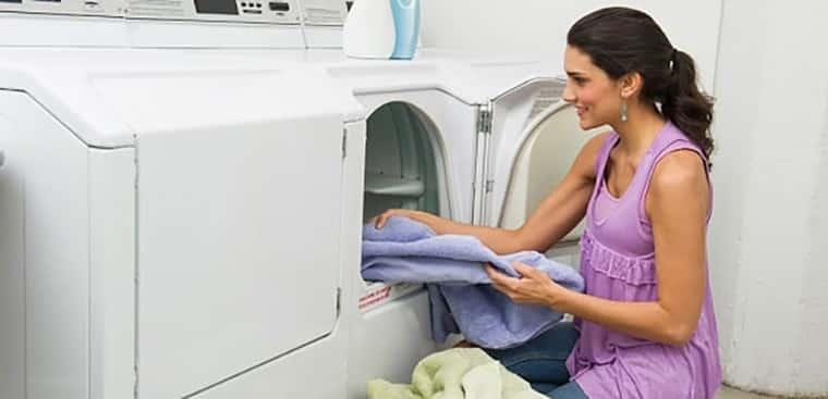 Lý do khiến bạn nên rinh ngay chiếc máy sấy quần áo cho gia đình