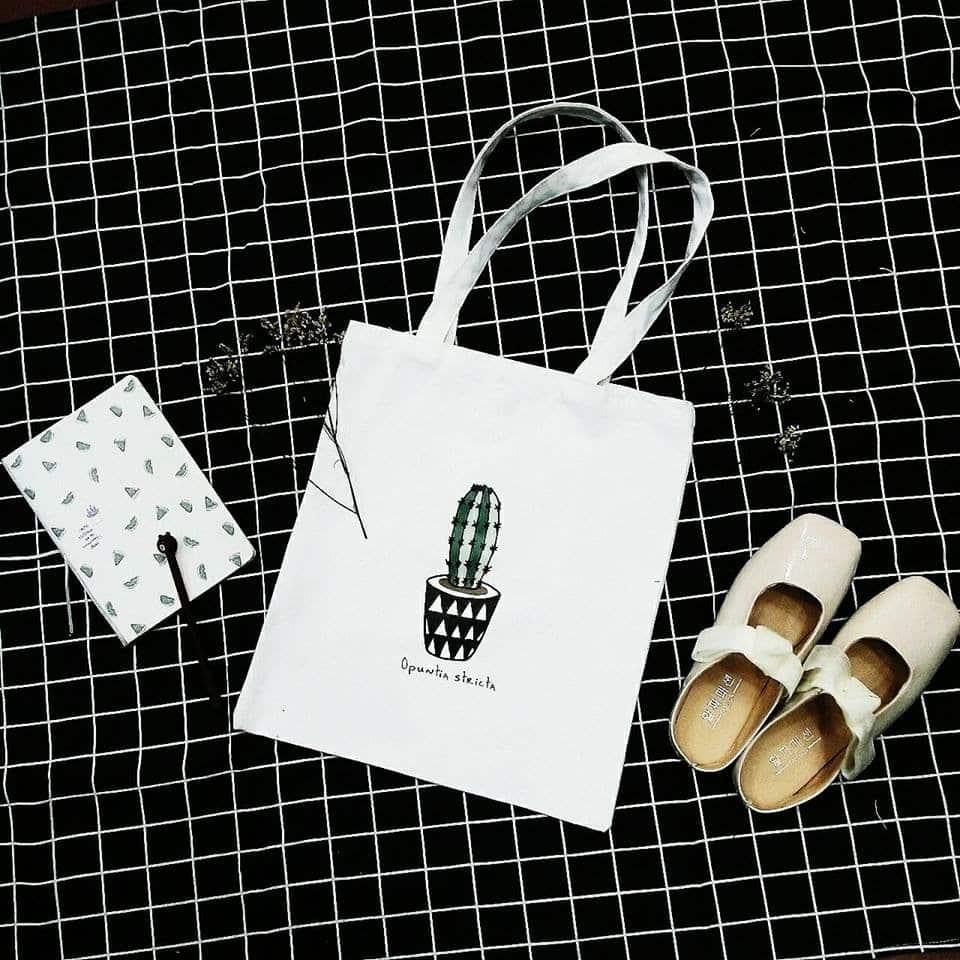 hình ảnh Mix đồ cực đáng yêu với túi Tote đeo chéo - số 1