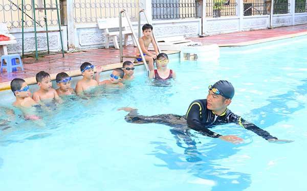 hình ảnh Top 7 Địa Điểm Học Bơi Ở TPHCM Giá Rẻ Cho Mọi Người - số 3