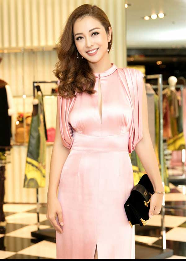 hình ảnh Top 9 shop đầm dạ hội đẹp TPHCM được các quý cô chuộng nhất - số 6