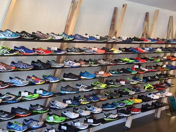 hình ảnh Top 10 Shop Giày Nam TPHCM Giá Siêu Rẻ Mẫu Mã Cực Chất - số 4