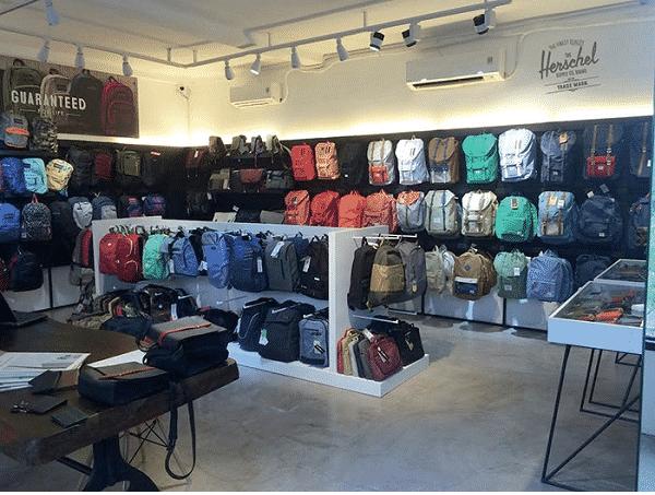 hình ảnh Top 5 Shop Balo Nam TPHCM Đẹp Chất Cho Chàng Cá Tính - số 1