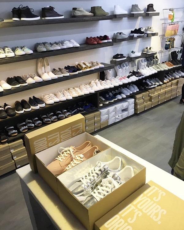 hình ảnh Top 8 Shop Bán Giày Thể Thao Nam Giá Rẻ TPHCM Siêu Chất - số 1