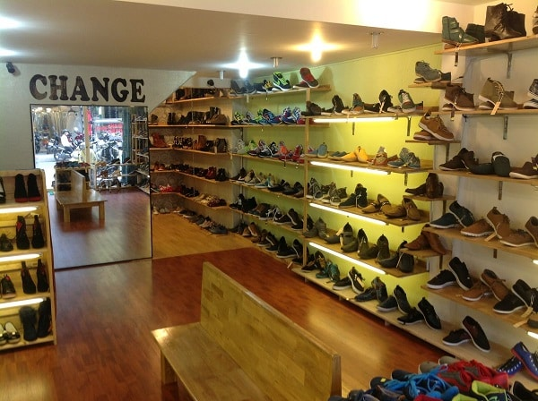 hình ảnh Top 9 Shop Giày Trên Đường Cách Mạng Tháng 8 Rẻ Đẹp Đông Khách Nhất - số 2