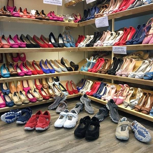 hình ảnh Top 9 Shop Giày Trên Đường Cách Mạng Tháng 8 Rẻ Đẹp Đông Khách Nhất - số 9