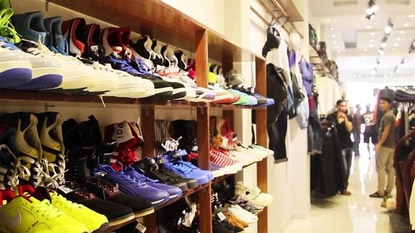 hình ảnh Top 9 Shop Giày Trên Đường Cách Mạng Tháng 8 Rẻ Đẹp Đông Khách Nhất - số 5