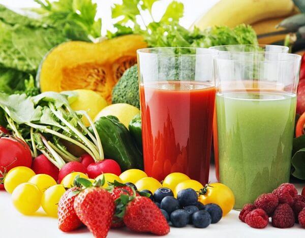 Đồ uống cho người bị máu nhiễm mỡ -Nước ép rau quả hỗn hợp