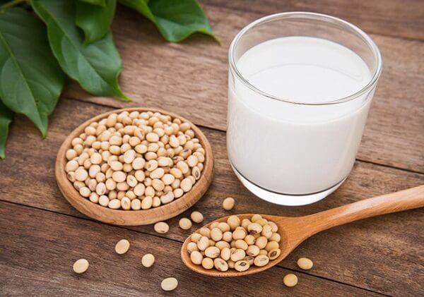 Đồ uống cho người bị máu nhiễm mỡ -Sữa đậu nành