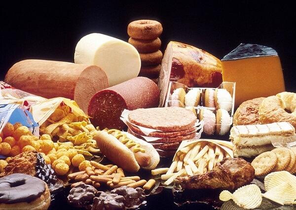 Món ăn nên kiêng khi bị mỡ máu cao -Thực phẩm giàu chất béo bão hòa