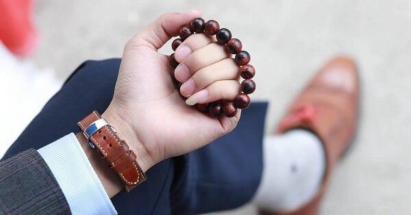 đeo vòng tay gỗ sưa có tác dụng gì- ảnh 4