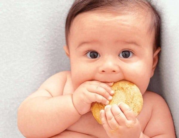 hình ảnh Mách mẹ cách cho bé ăn dặm đúng chuẩn cho bé khỏe mau lên cân - số 1