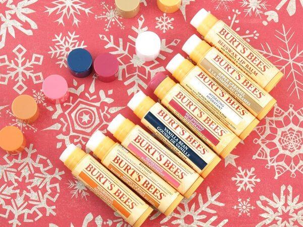 Son dưỡng môi tốt nhất thế giới - Bees Replenishing Lip Balm with Pomegranate Oil