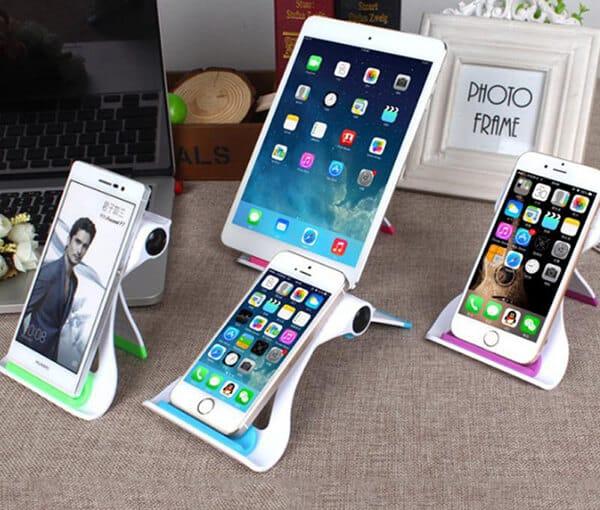 dien-thoai-smartphone-hay-ipad-qua-tang-ngay-cua-me