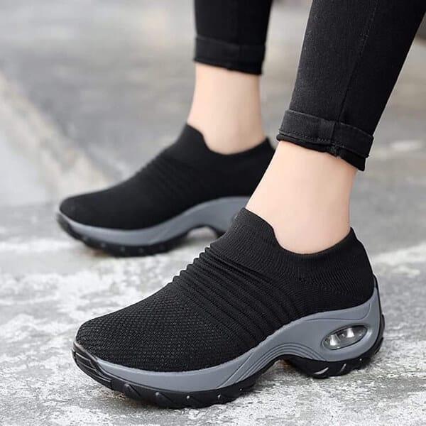 giay-sneaker-qua-tang-ngay-cua-me