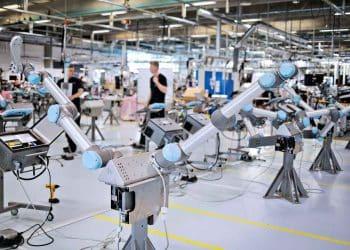 """hình ảnh Rô bốt công nghiệp: """"Trợ thủ"""" đắc lực cho ngành công nghiệp hiện đại 4.0 - số 5"""